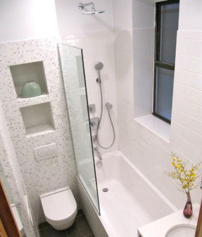 Wąska łazienka z wanną, fot.: Wagner Studio Architecture