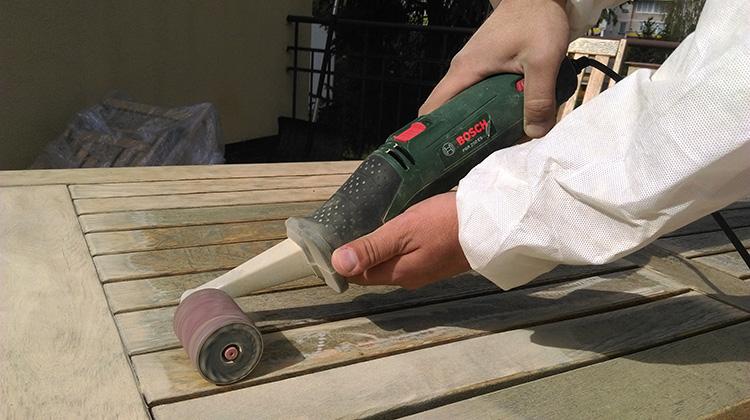 Jak Odnowic Meble Ogrodowe Drewniane :  bardzo ważne jeśli drewniane meble użytkowane są na zewnątrz