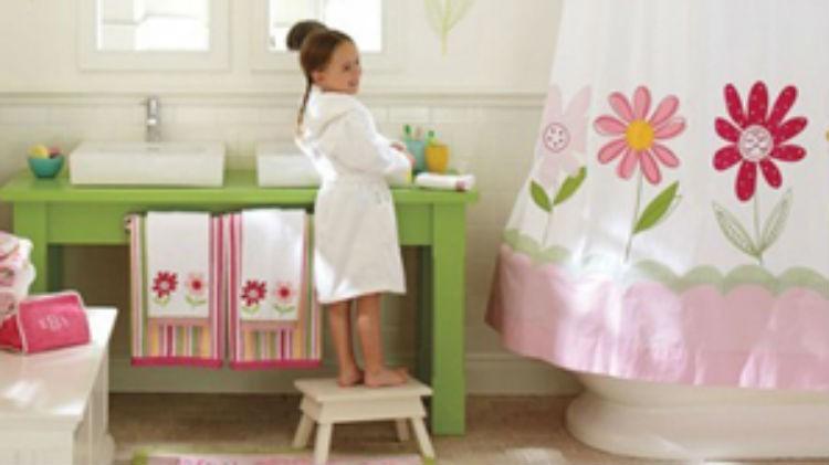 Łazienka dla dziewczynki. Shelterness.com