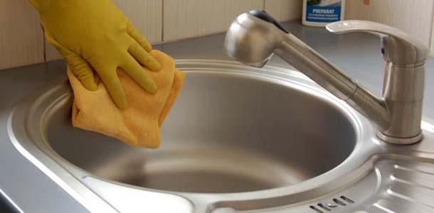 Jak dbać o stalowy zmywak?