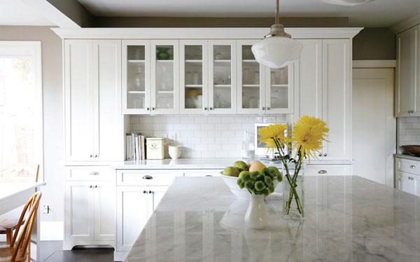 Kuchnia Biala Z Drewnem A Moze Biala A Moze W Kolorze Drewna
