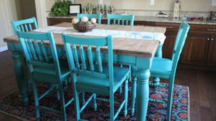 Turkusowe Krzesła I Stół W Kuchni Portal Wnętrzarski