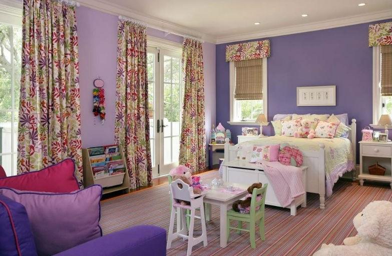 Fioletowe ściany w pokoju dziecka, fot.: Michael Abrams Limited