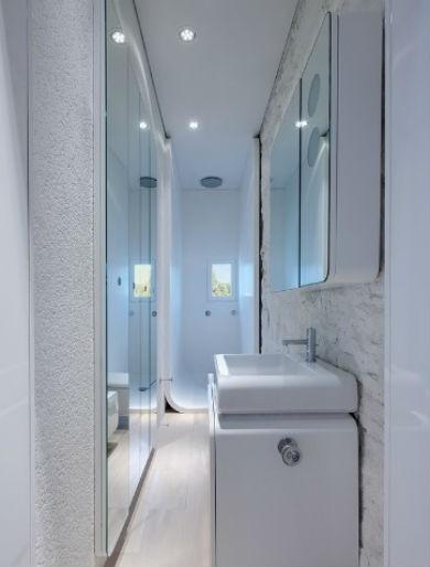 aranżacje wąskich łazienek, fot.: Simone Architectural Hero
