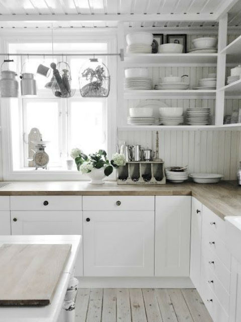 Kuchnia bez szafek wiszących