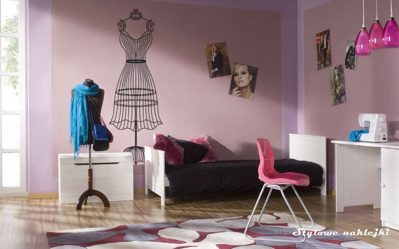 Naklejka dekoracyjna na ścianę do pokoju dziewczęcego, fot.: stylowenaklejki.pl