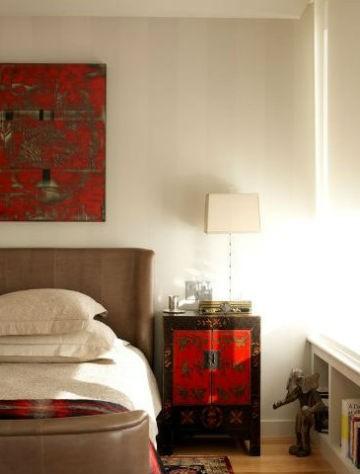 Nietypowa szafka nocna - szafka udekorowana w stylu wschodnim