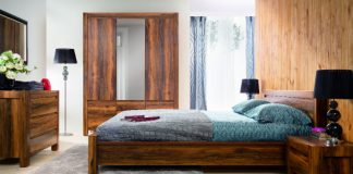 Meble w kolorze naturalnego drewna: sypialnia i pokój nastolatka