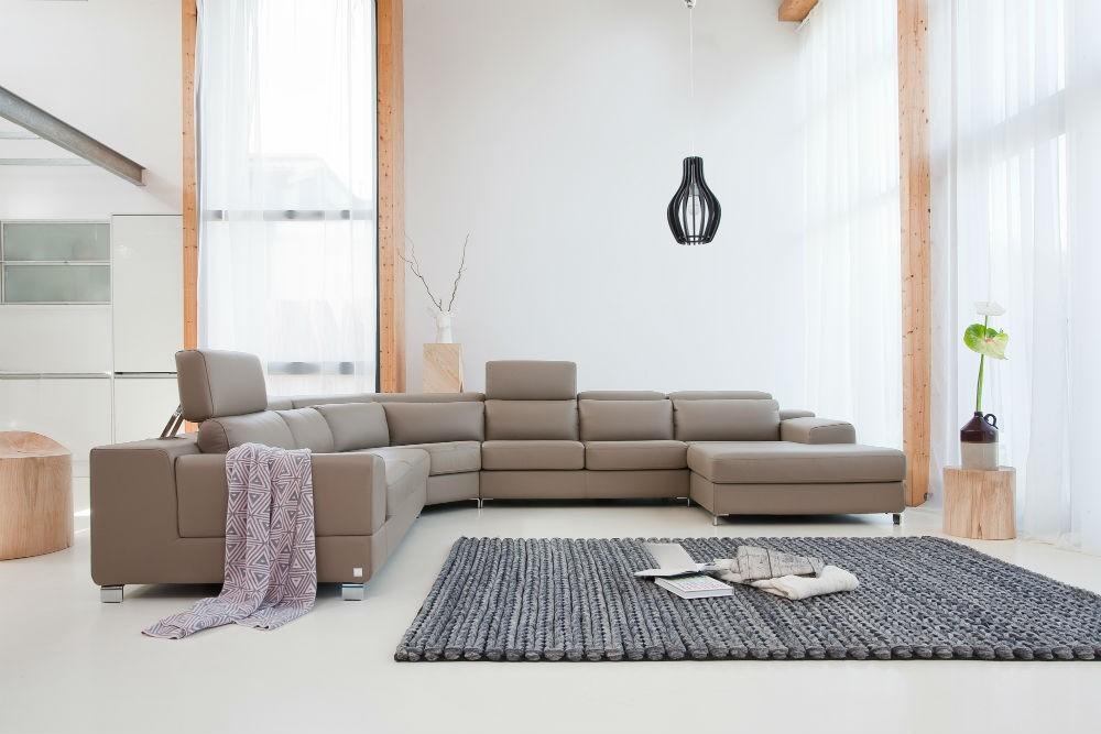 Kolekcja modułowa Genesis - propozycja dla osób bezkompromisowo poszukujących piękna i komfortu. Modułowość kolekcji umożliwia dopasowanie kształtu i wielkości mebla do indywidualnych potrzeb