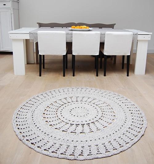 Dywan ręcznie pleciony - wzór rozeta biały