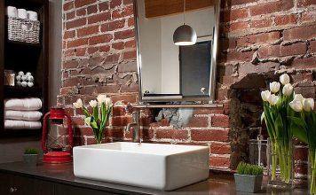 11 pomysłów na cegłę w łazience
