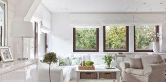 Jak stworzyć modny salon w stylu Hampton? fot.: Dekoria
