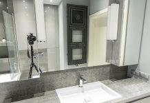 Grzejnik łazienkowy z dodatkowymi funkcjami