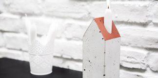 Betonowy świecznik w kształcie domku