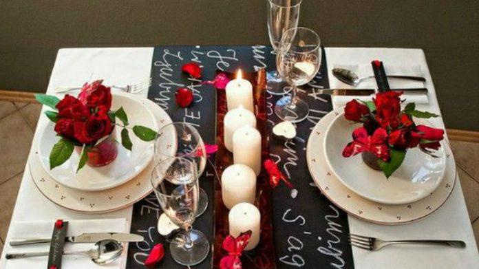 Walentynkowy wystrój stołu