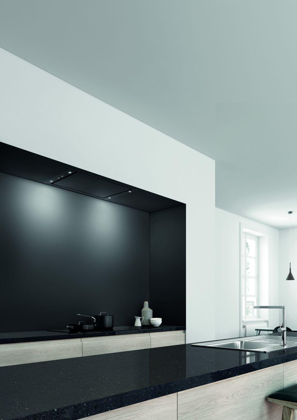 6832 Pureline black 90cm fot Novy Comitor