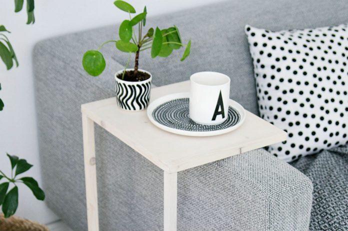 mały salon inspiracje na stolik do salonu
