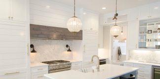 5 pomysłów na szkło w nowoczesnych aranżacjach kuchennych