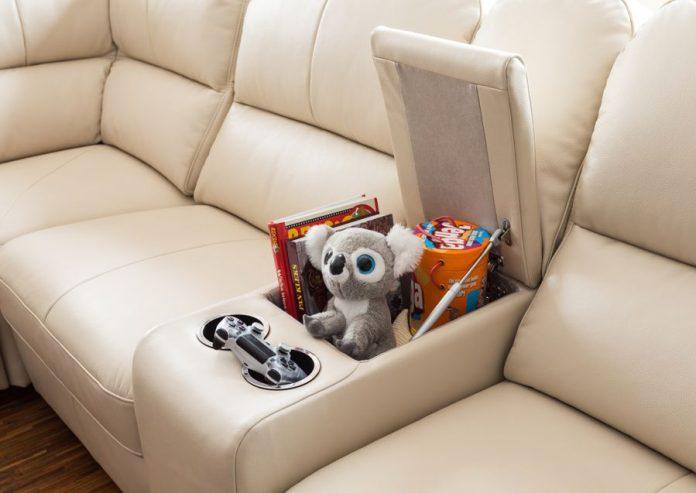 wygodna sofa z barem