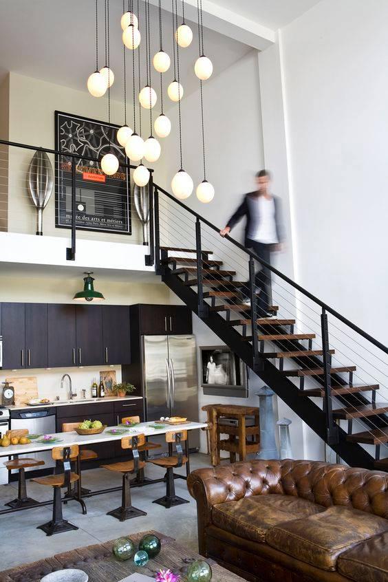 czarne szafki w kuchni loft