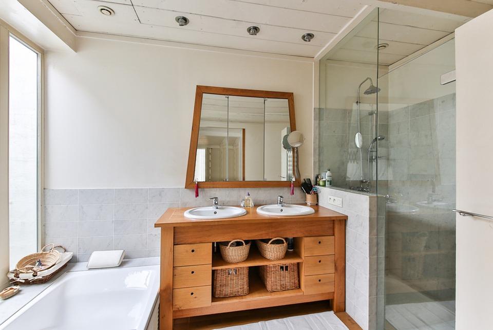Biała łazienka Z Drewnem Inspiracje I Rozwiązania Portal