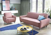 Sofa w małym salonie